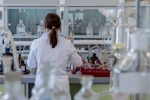 laboratoire chercheuse